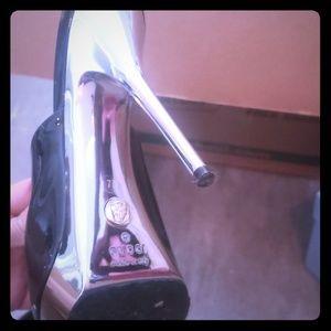 Gucci mules heel